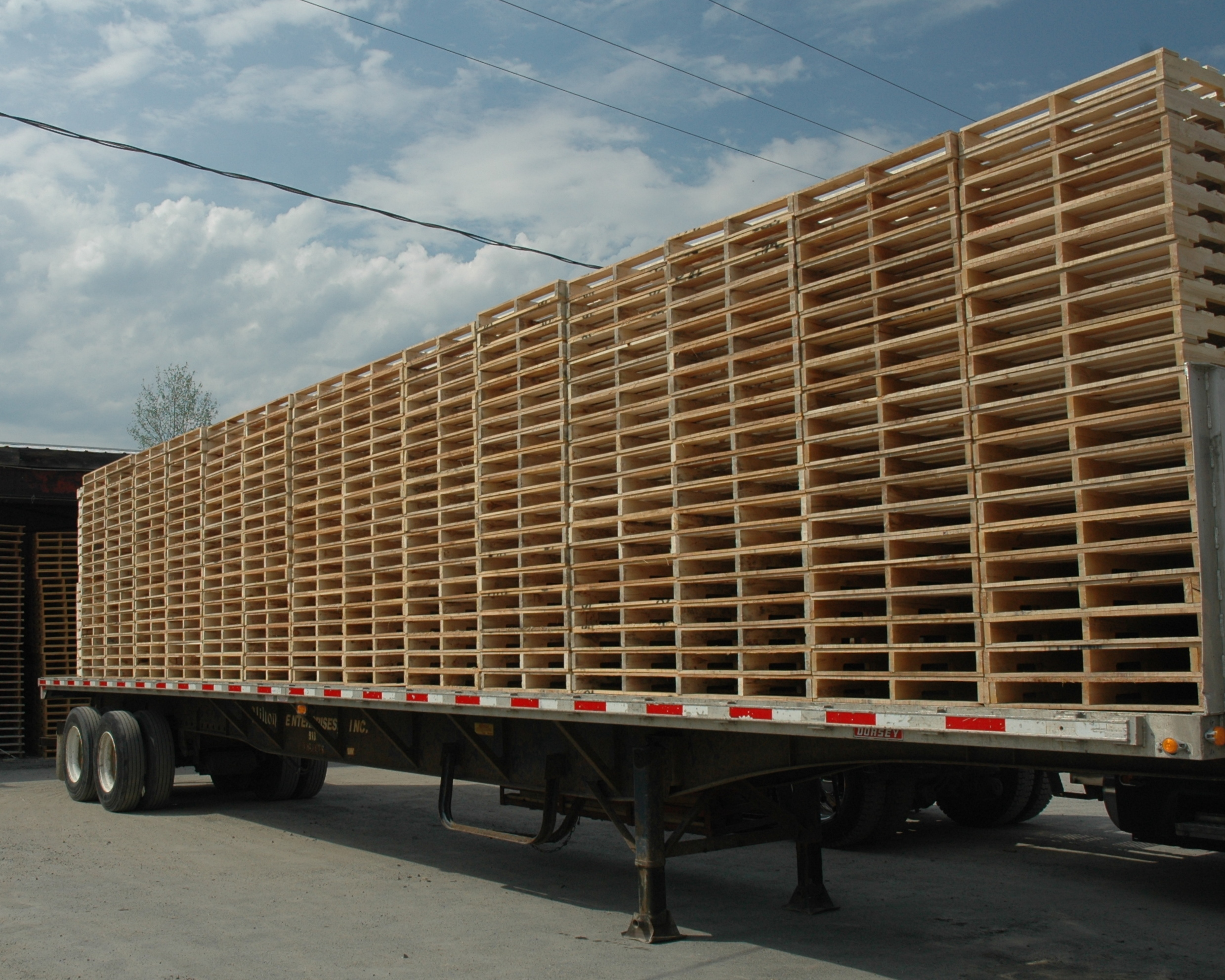 Pallets Incorporated manufacturers of wood pallets, skids